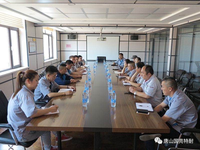 Qing 71 / Guoliang company held a forum of Party members